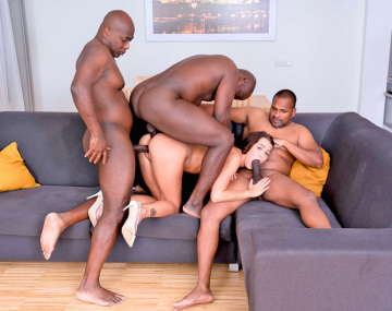 Private HD porn video: Cindy & the Gang