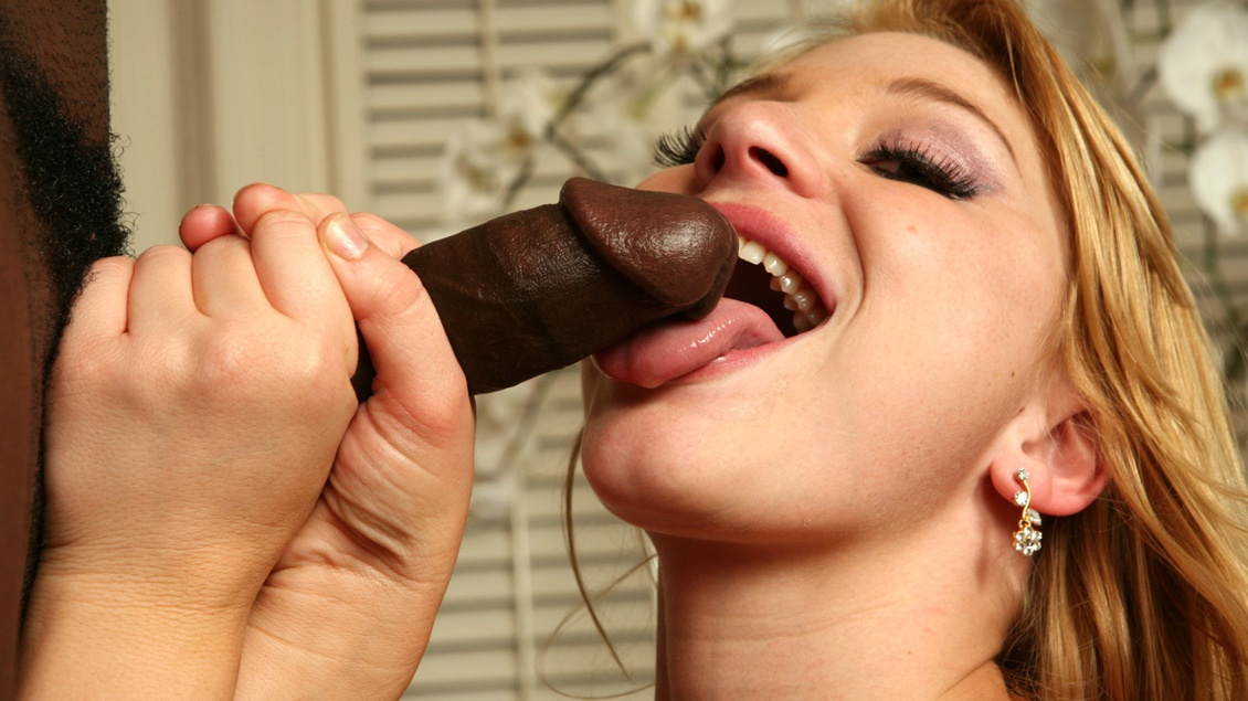 Horny Girl Loves the Taste of Black Cock