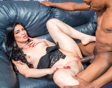 Private HD porn video: MILF Roxee Couture Needs a BBC